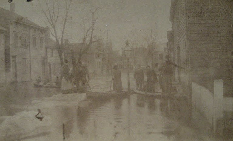 """Ice freshet in Delaware River, 2nd month 1893. Fair street below Pa. R. R."" Photograph from Historic Fallsington."
